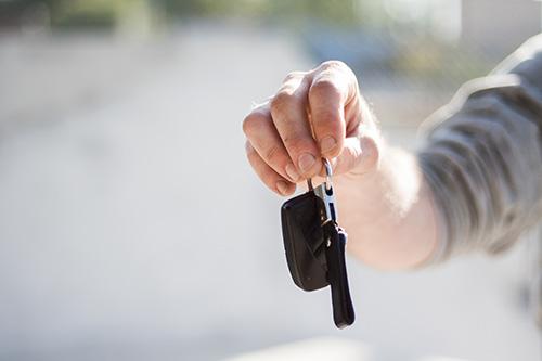Dårlig dag på tanken: Syv sigtelser og en beslaglagt bil